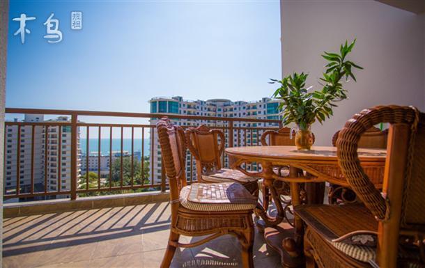 三亚湾 靠近凤凰机场的金中海蓝钻海景二居室
