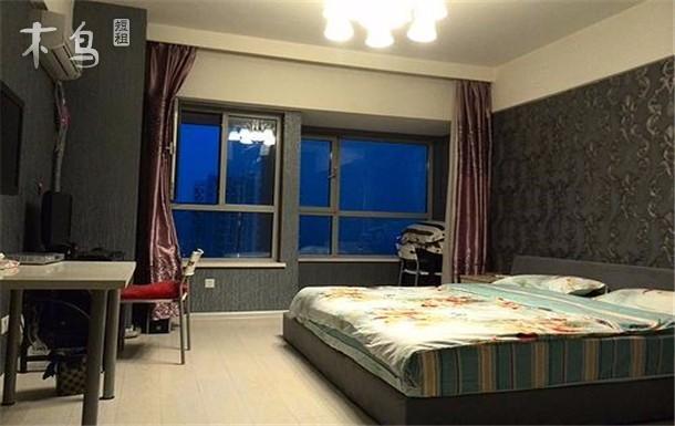 雅格万达时尚 温馨大床房