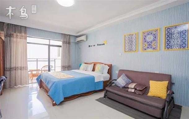 三亚湾椰梦长廊金凤凰公寓高级海景大床房