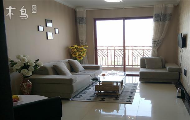 南亚风情第一城 万达广场附近 一室一厅有暖气