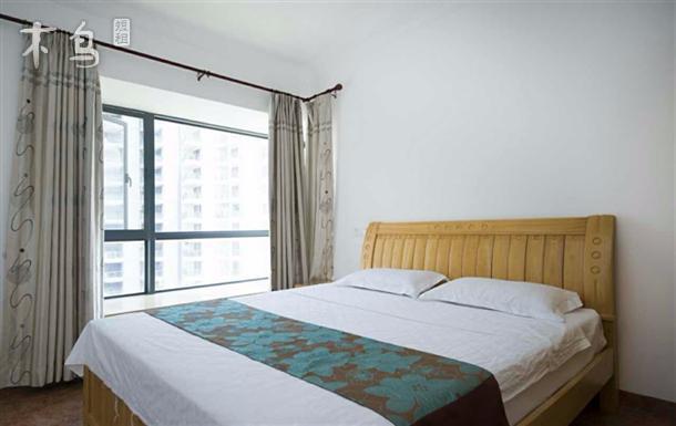 三亚椰风蓝海 豪华园景两居室