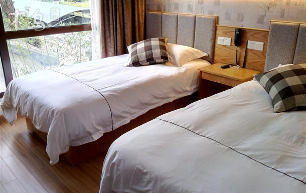 玉古路 兰家湾 舒适双床房