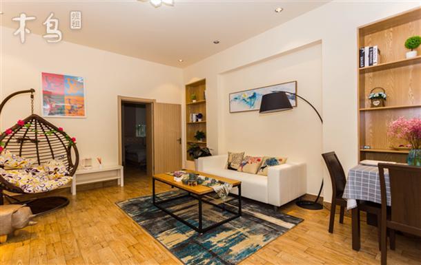 带小院子的老洋房 核心位置一居室