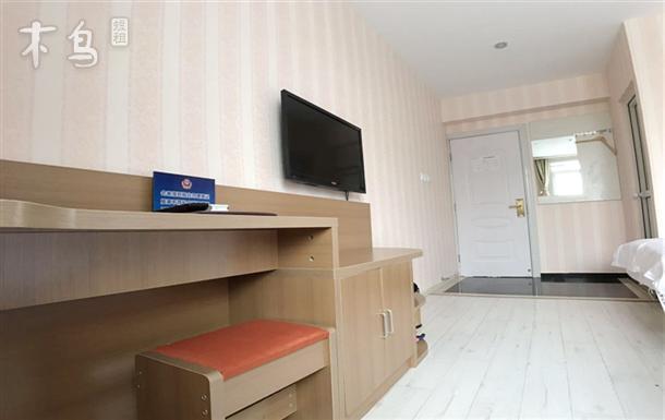 玉泉路地铁一号线,301医院附近,舒适双床房