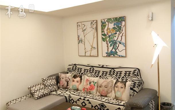 北京路上双地铁口/珠江边高档公寓温馨2房2厅