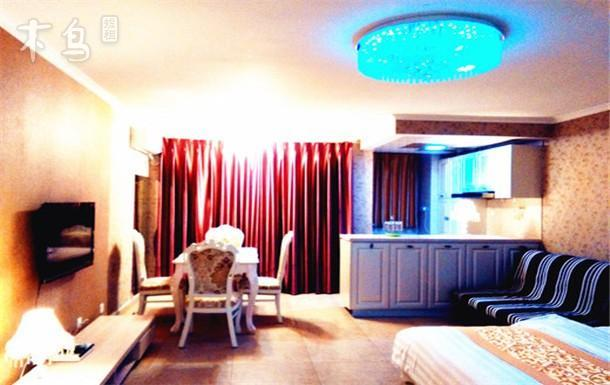 辰光海景公寓豪华大床房