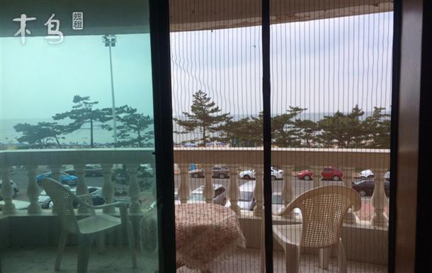 国际海水浴场 面海听涛 三室一厅
