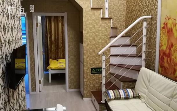 崂山区精装复式公寓石老人浴场大拇指交通便利