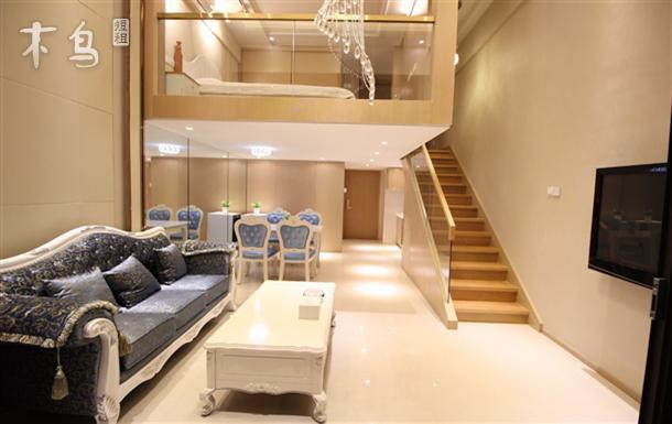 免费接送11号线御桥站迪士尼新国展loft复式豪华双人大套房