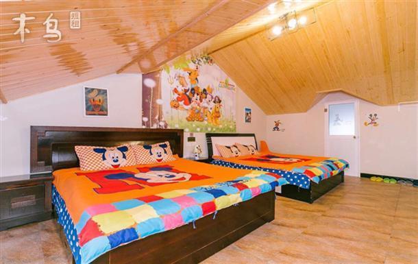 亚泰乐园旅舍/4人双大床米奇或维尼房