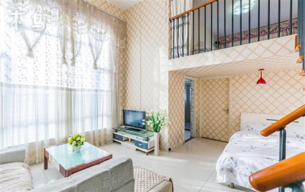 珠江新城美国大使馆五号地铁旁精装二室复式公寓