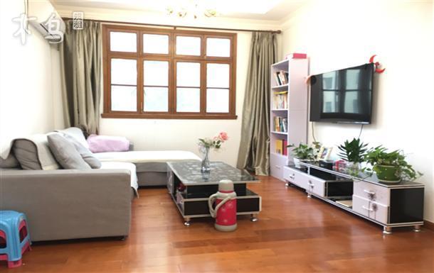 温馨两居室,近地铁口及新华医院,长租优惠