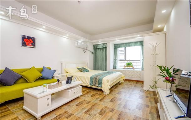 《一七》武昌站地铁4号线D出口居家温馨公寓