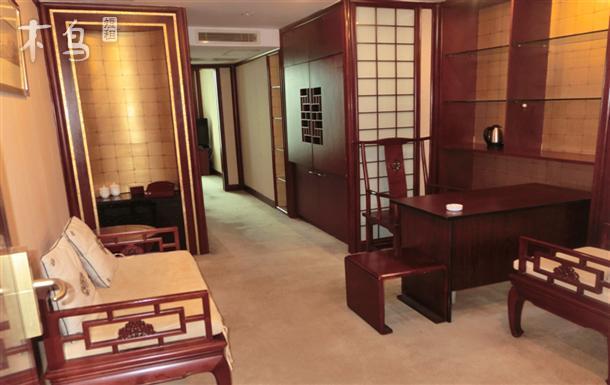 南京西路地铁站商务套房一居室