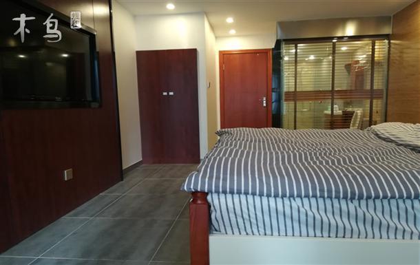 珠江路临江路口站 距机场3km 免费接送 一居室