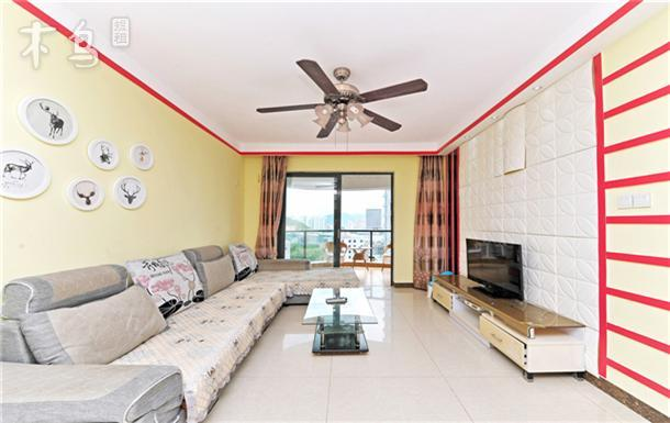大东海大阳台海景两室一厅100米临海