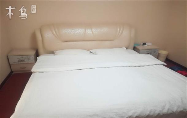 久俪百货 新房精装 家具齐全的温馨 大床房