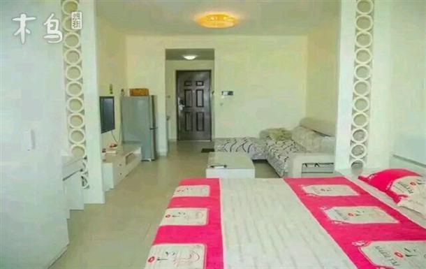 紧邻三亚湾 园景大床房一居室整租