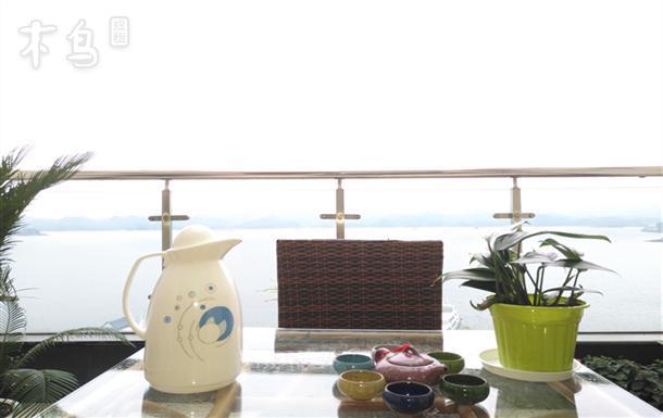 千岛湖县城中心湖露台+飘窗一线湖景房