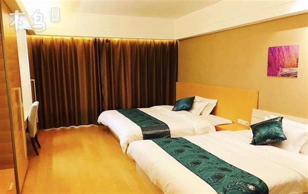 滨海国际机场直通公寓行政双床房