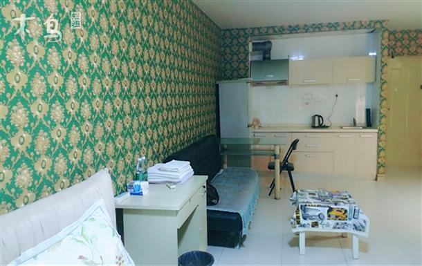后现代城温馨短租房 一居室 可住2人