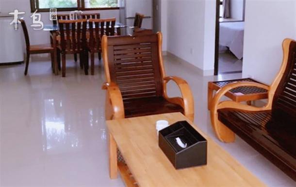 银城绿洲家庭式套房三室