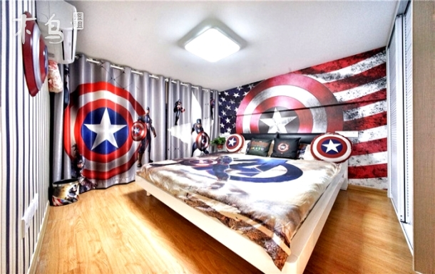 3号豪华 近地铁口 整租美国战队HelloKitty主题两居室