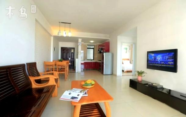 三亚湾海月广场椰梦长廊豪华侧海套房两房一厅