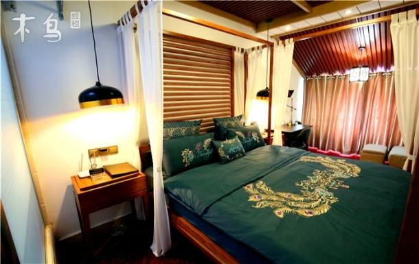 东南亚风情豪华观景大床房
