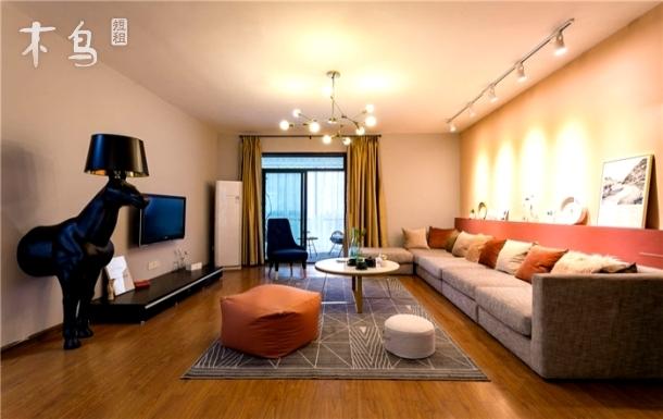 光谷步行街 东湖附近精装 两居室