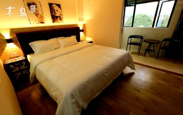 广州南湖山水实景影视主题浪漫大床房