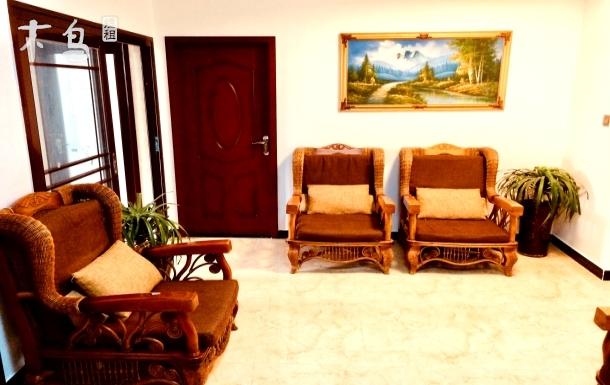 植物园单间出租、大床、沙发、空调 Wi-Fi