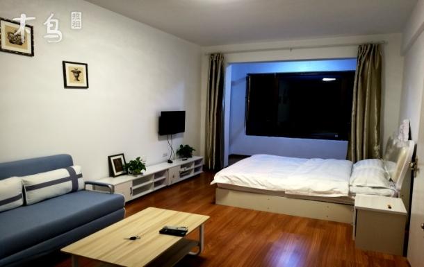 松北商业大学温馨家庭房 一居室