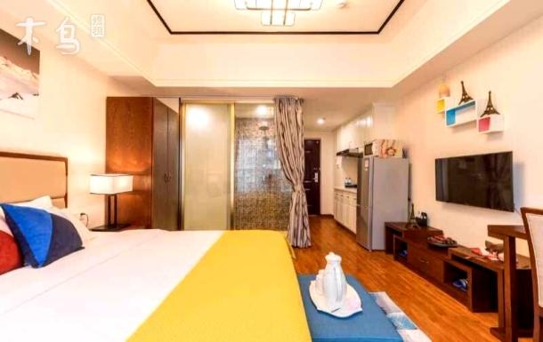 广州萝岗万达广场(近国际演艺中心) 高层豪华大床房