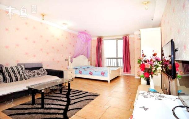大悦城主题公寓 温馨舒适大床房