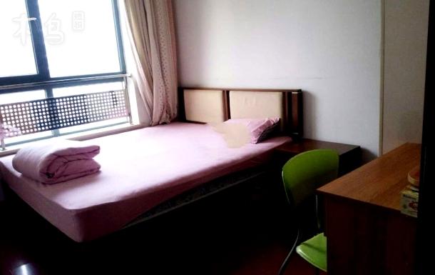 地铁10号线北京国贸双井高端公寓短租单间