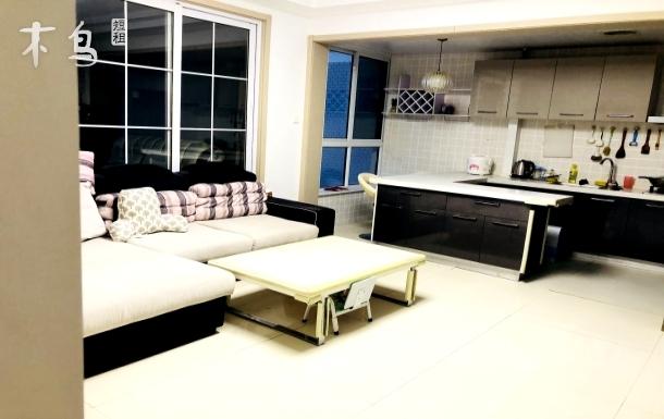 威海第一海水浴场温馨三居室