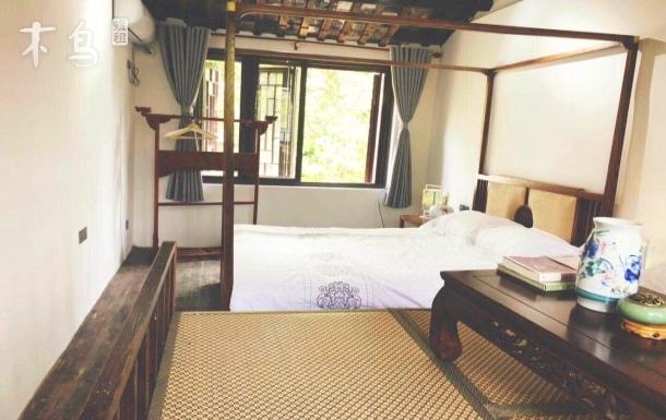 平江路附近沿河苏式住房大床房
