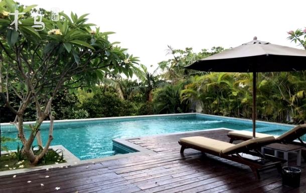 亚龙湾西山渡五卧二厅奢华泳池独栋别墅