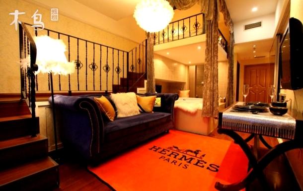 //先咨询后付款  网红loft复式公寓十分钟到三里屯簋街 老国展