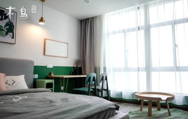 点我头像看其他房源-墨绿大床房
