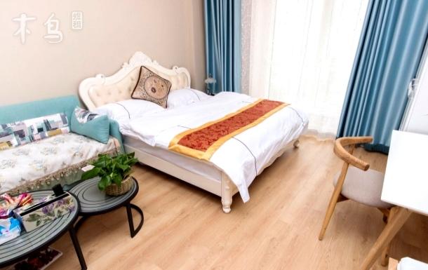 世界侨商中心倦鸟公寓温馨一居室