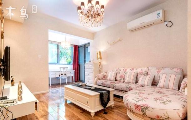 宽窄巷子豪华美式装修两居室
