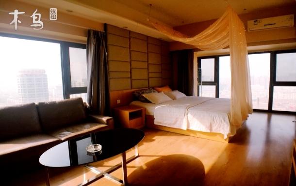 沈阳中街·全景落地窗·舒适大床房