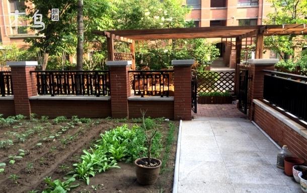 人杰湖公园附近花园庭院类别墅