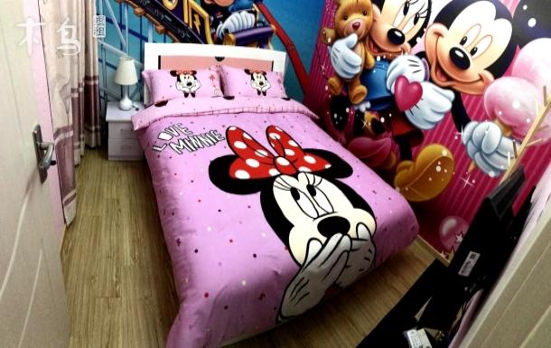 免费接送迪士尼往返三室一厅卡通主题套房