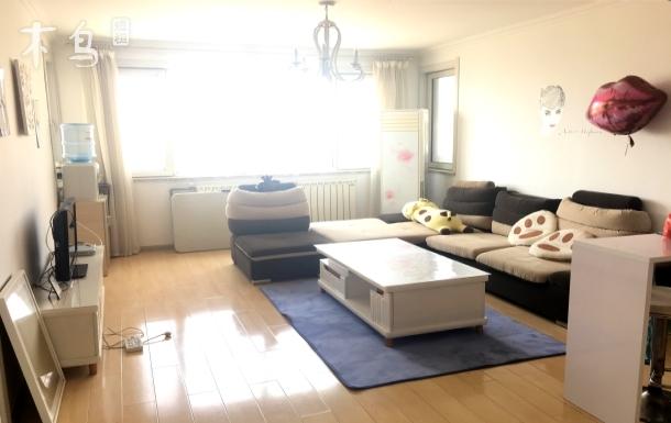 麦岛家园青城居客海景公寓三居室