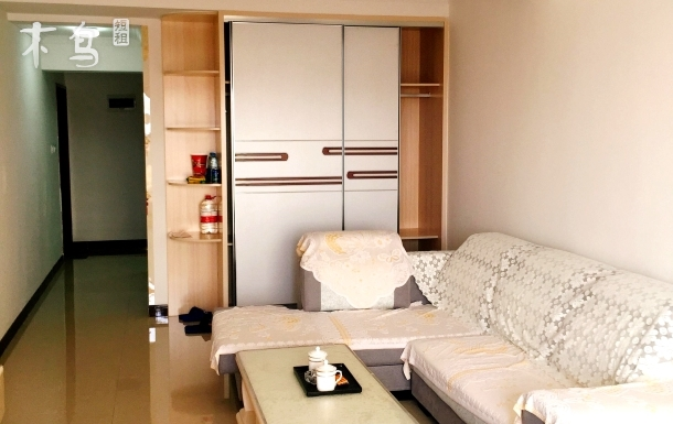 荣成市万隆国际宜居公寓温馨一居室