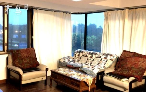 西湖边可住十二人双电梯景区房三居室