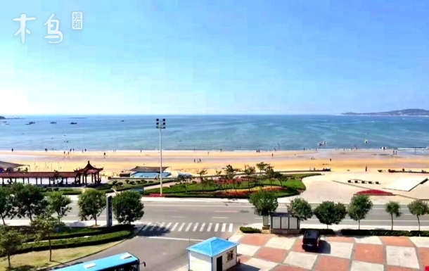 一线海景下楼海滩电梯空调四床